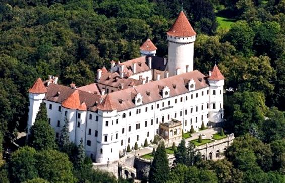 Средневековый замок Чехии Конопиште в стиле барокко